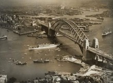 Harbour Bridge v Sydney