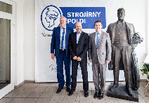 <strong>HOHER BESUCH BEI   STROJÍRNY POLDI</strong>